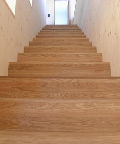 Treppe-Eiche-massiv.jpg